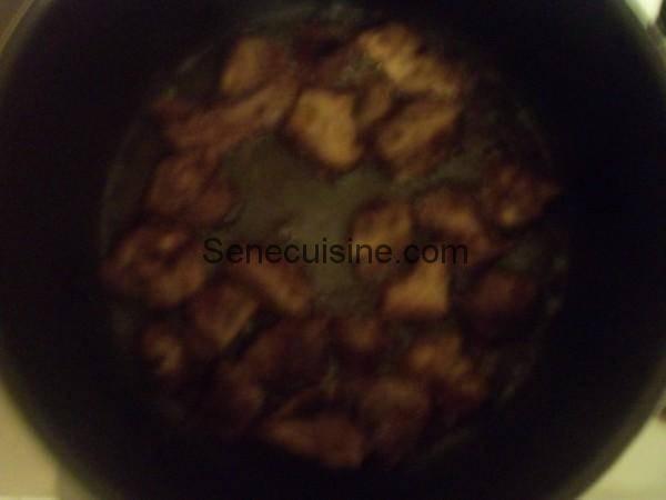 Viande en cuisson pour Thiebou Yapp