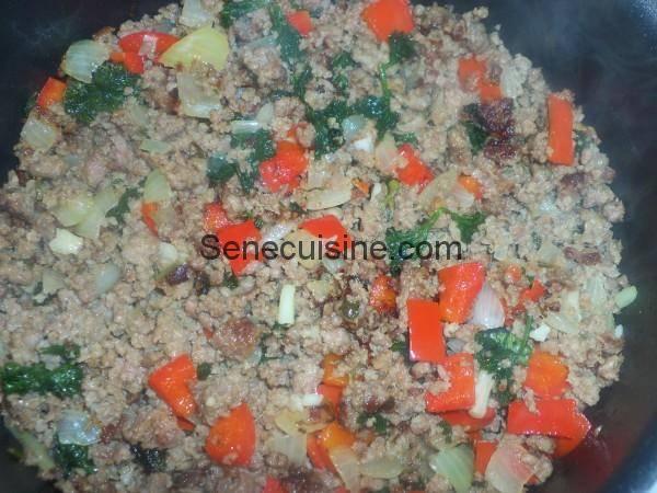 Cuisson viande hachée oignon ail persil poivron pour Chili con carne