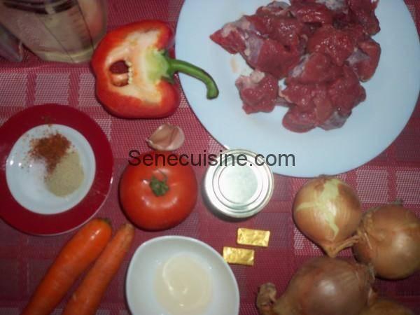 Ingrédients Boeuf sauce tomate ou thiou yapp