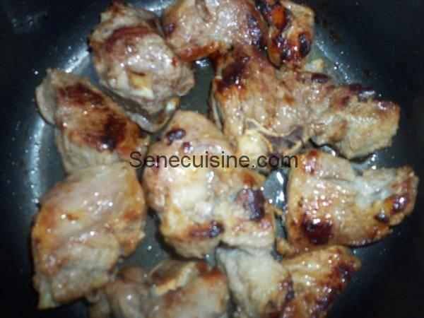 viande en cuisson pour blanquette